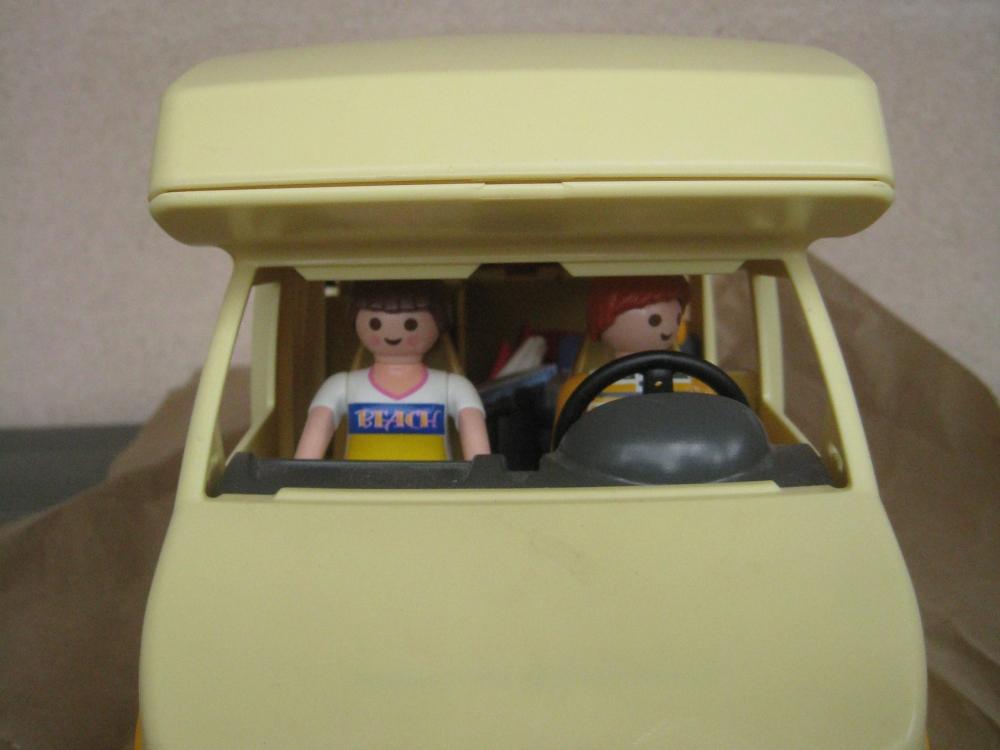 Saga playmobil : départ en vacances (siège auto à gagner inside)