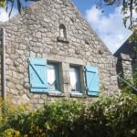 Des menhirs et des fenêtres rondes : la Pointe de Bilgroix