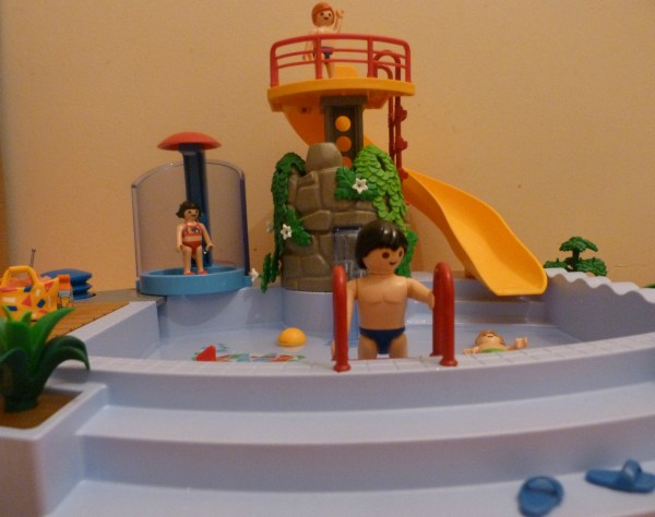 Si je gagnais au loto saga playmobil inside for Piscine de playmobil