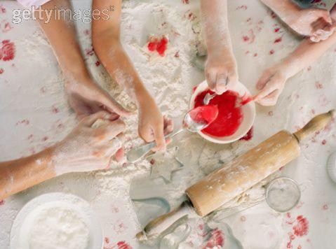 Les (petites) mains dans la farine