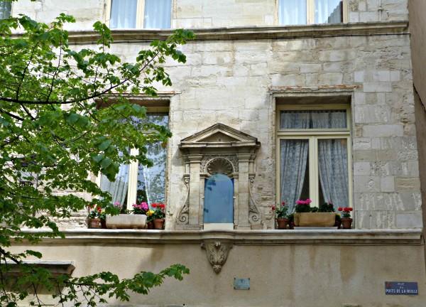 Des fenêtres d'hier et d'aujourd'hui. - Page 37 Avignon-en-lair-2-600x432