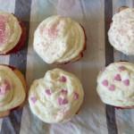 Cupcakes fraise-mousse au chocolat blanc