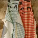 Dans ma cuisine, des tabliers moustache pour les enfants