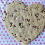 Cookie géant au beurre de cacahuètes et pépites de chocolat