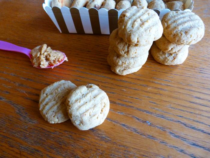 Cookies au beurre de cacahu tes une recette rapide de cookies - Cookies beurre de cacahuete ...