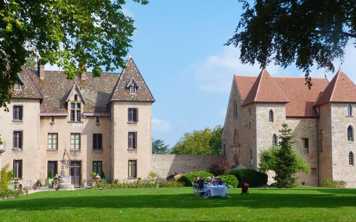 Celle qui avait passé une journée dans le Château de Couches (Bourgogne)