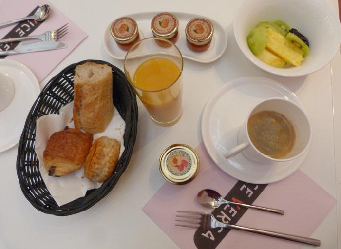 petit déjeuner 12