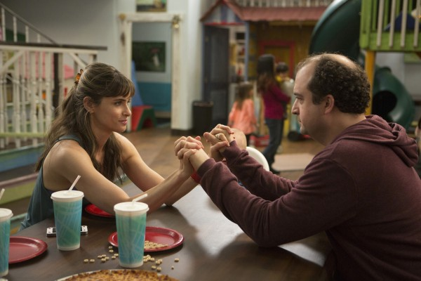 "Amanda Peet and Steve Zissis in HBO's new comedy ""Togetherness."" (Melissa Moseley/HBO) ** OUTS - ELSENT, FPG, TCN - OUTS **"