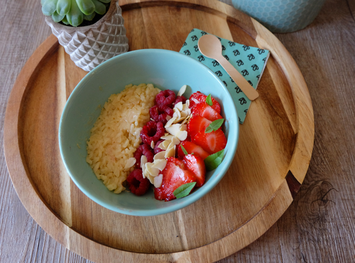 poke bowl riz au lait d'avoine fruits rouges