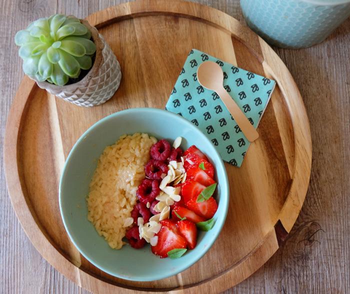 poke bowl riz au lait d'avoine fruits rouges