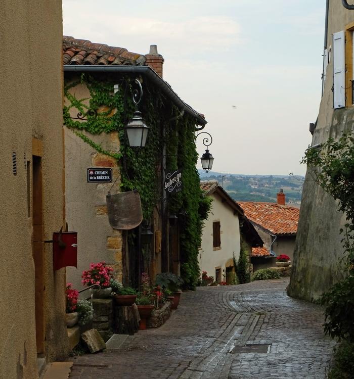 3 façons de découvrir le Beaujolais des Pierres Dorées