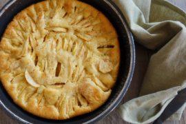 gâteau aux pommes et à la crème fraîche